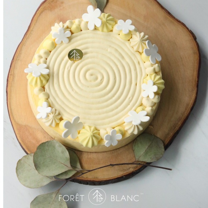 Baked French Lemon Cheesecake (7 Inch)