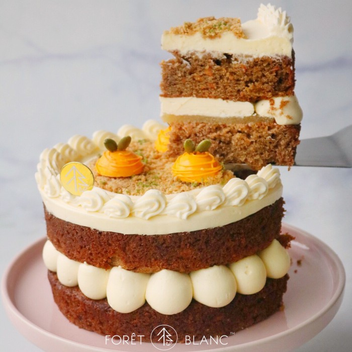 Carrot Cinnamon Raisin Cake (6 Inch)
