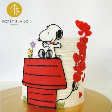 Snoopy in Love Cake